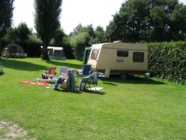 camping municipal Pont D OUILLY 2*