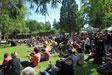 Public dans le parc